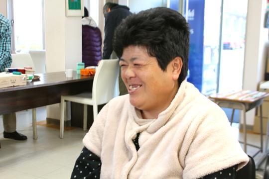 にこにこと笑顔が絶えず朗らかな雰囲気の須藤さん