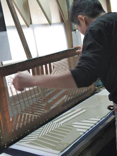 手ぬぐいの製作は、須賀川にある工房の職人が請け負っています