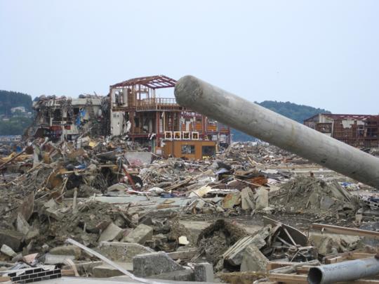 震災から数ヶ月後の南三陸