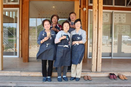 左から小山さん、後藤さん、藤浦さん、渡辺さん、西條さん